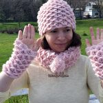 Crocheted Crocodile Hat Scarf Gloves Set by Coolorful.com