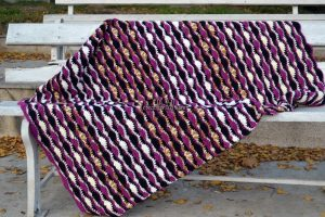 Crocheted wave stitch afghan by coolorful.com